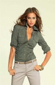 Элегантная женская блузка