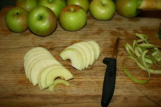 салаты с яблоком