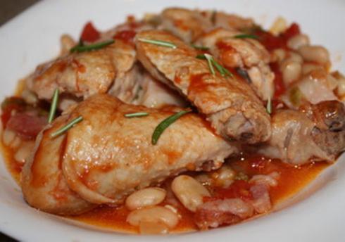 Цыпленок, запеченный с фасолью и чесноком
